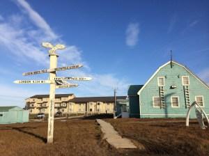 barrow-alaska-signpost