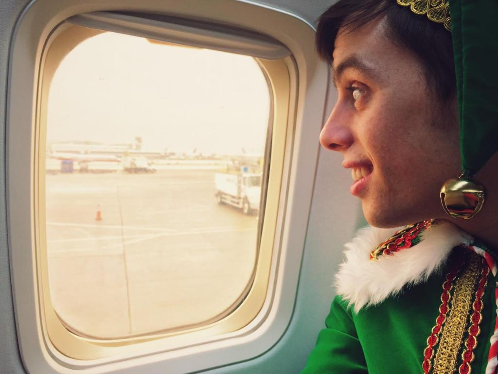 gadget-the-elf-airplane-window