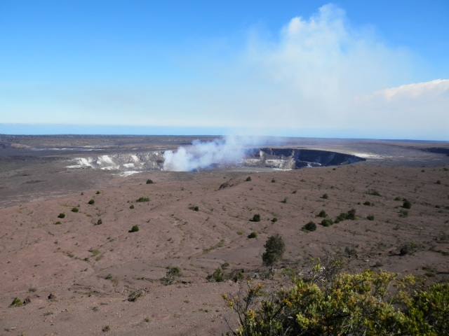 kilauea-crater-hawaii-volcanoes