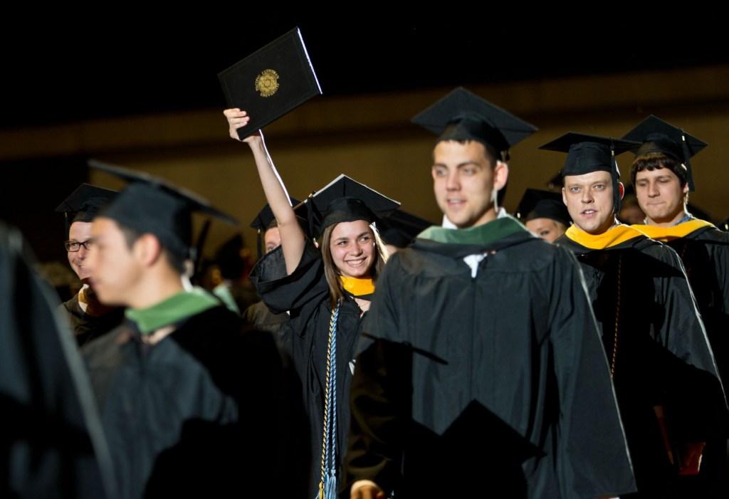 PLU-graduation
