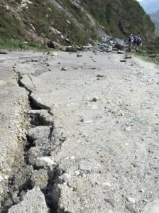 nepal-earthquake-crack