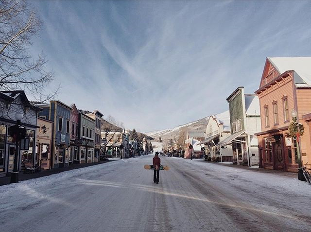 Saturday morning strolls used to look a lot different, until I landed in Crested Butte. -@lauralawsonvisconti, with @nickvisconti behind the lens. #WeekendWanderer #crestedbutte