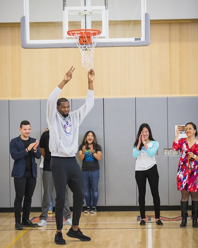 d49dd2fadd5 Kevin Durant makes his way to the middle school basketball court. Credit   Ingrid Barrentine